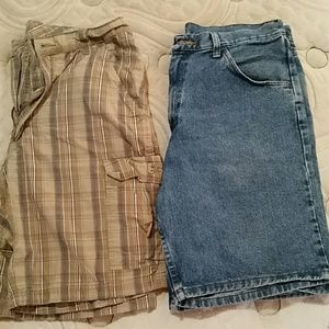 2 pairs men's shorts